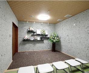 霊安室完備