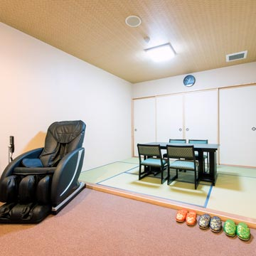 住職控室兼親族控室(和室)