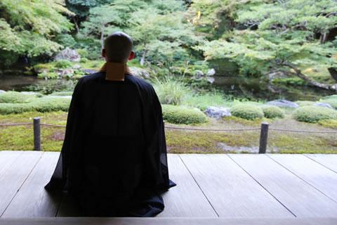 初めて喪主を務められる方で疎かにしがちなのがお寺さんの存在です。